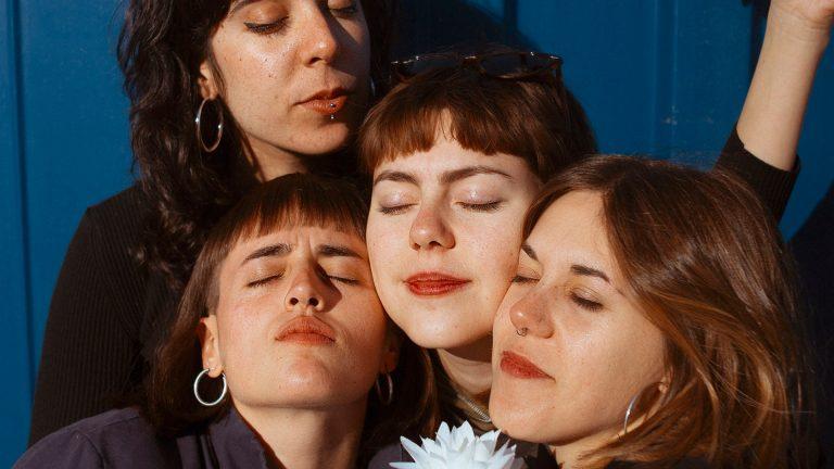 Lisasinson, el cuarteto femenino, saca dos singles